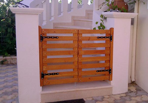 Έπιπλα Κήπου – Ειδικές Κατασκευές από ξύλο – Πόρτα – Κωδ:037