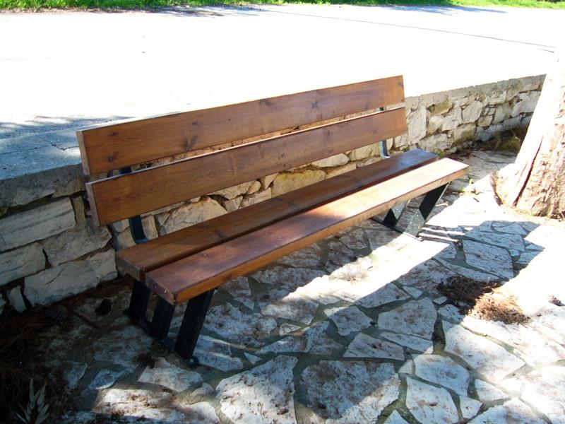 Έπιπλα Εξωτερικού χώρου – Παγκάκι Ξύλινο με Μεταλλικά Πόδια – Κωδ: 15-18
