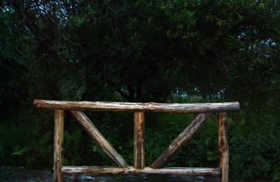 Έπιπλα για κήπο – Χειροποίητος Ξύλινος Φράχτης – Κωδ:fen13