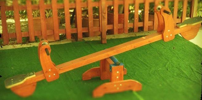 Έπιπλα Κήπου – Παιδικές Χαρές – Τραμπάλα