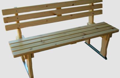 Ξύλινο παγκάκι με μεταλλική βάση