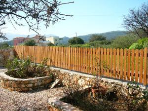 Φράχτης κήπου  ξύλινος