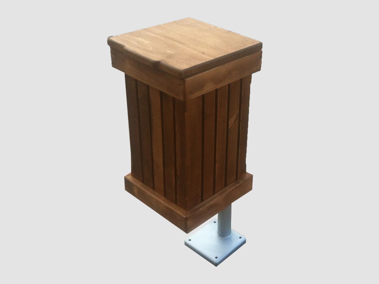 Ξύλινος κάδος με καπάκι και βάση – Κωδ. :16-08